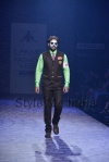 Arjun-Khanna-at-Lakmé-Fashion-Week-Summer-Resort-2013-10