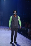 Arjun-Khanna-at-Lakmé-Fashion-Week-Summer-Resort-2013-13
