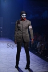 Arjun-Khanna-at-Lakmé-Fashion-Week-Summer-Resort-2013-14