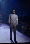 Arjun-Khanna-at-Lakmé-Fashion-Week-Summer-Resort-2013-16