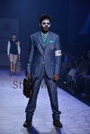 Arjun-Khanna-at-Lakmé-Fashion-Week-Summer-Resort-2013-18 (1)
