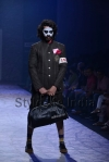 Arjun-Khanna-at-Lakmé-Fashion-Week-Summer-Resort-2013-19