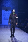 Arjun-Khanna-at-Lakmé-Fashion-Week-Summer-Resort-2013-20