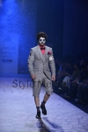 Arjun-Khanna-at-Lakmé-Fashion-Week-Summer-Resort-2013-21