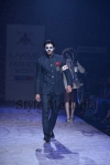 Arjun-Khanna-at-Lakmé-Fashion-Week-Summer-Resort-2013-22