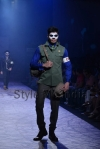 Arjun-Khanna-at-Lakmé-Fashion-Week-Summer-Resort-2013-5