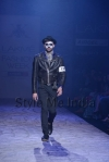 Arjun-Khanna-at-Lakmé-Fashion-Week-Summer-Resort-2013-6