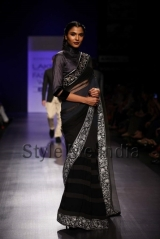 Manish-Malhotra-at-Lakmé-Fashion-Week-Summer-Resort-2013-12
