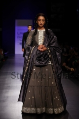 Manish-Malhotra-at-Lakmé-Fashion-Week-Summer-Resort-2013-15