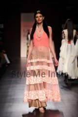 Manish-Malhotra-at-Lakmé-Fashion-Week-Summer-Resort-2013-31