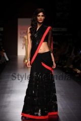 Manish-Malhotra-at-Lakmé-Fashion-Week-Summer-Resort-2013-33