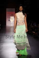 Manish-Malhotra-at-Lakmé-Fashion-Week-Summer-Resort-2013-37