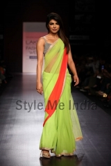 Manish-Malhotra-at-Lakmé-Fashion-Week-Summer-Resort-2013-41