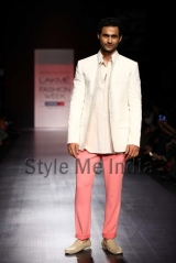 Manish-Malhotra-at-Lakmé-Fashion-Week-Summer-Resort-2013-43