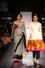 Manish-Malhotra-at-Lakmé-Fashion-Week-Summer-Resort-2013-45