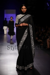 Manish-Malhotra-at-Lakmé-Fashion-Week-Summer-Resort-2013-7