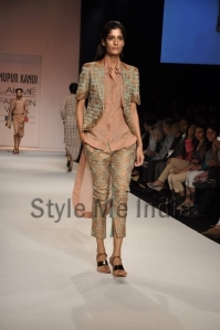 Nupur-Kanoi-at-Lakmé-Fashion-Week-Summer-Resort-2013-10