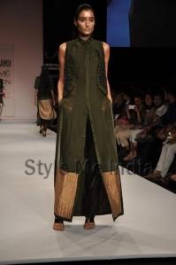 Nupur-Kanoi-at-Lakmé-Fashion-Week-Summer-Resort-2013-15