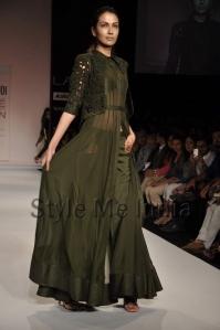 Nupur-Kanoi-at-Lakmé-Fashion-Week-Summer-Resort-2013-17