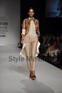 Nupur-Kanoi-at-Lakmé-Fashion-Week-Summer-Resort-2013-2