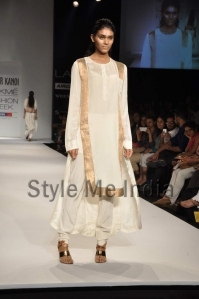 Nupur-Kanoi-at-Lakmé-Fashion-Week-Summer-Resort-2013-4