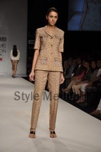 Nupur-Kanoi-at-Lakmé-Fashion-Week-Summer-Resort-2013-6