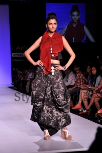 Zovi-Gen-Next-at-Lakmé-Fashion-Week-Summer-Resort-2013-20