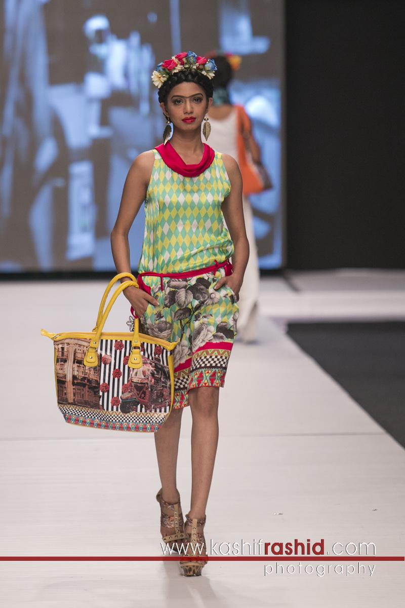 frida kahlo goes to kharadar musings of a fashion designer. Black Bedroom Furniture Sets. Home Design Ideas