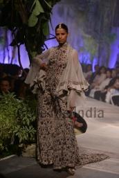 Anamika-Khanna-at-PCJ-Delhi-Couture-Week-2013-17