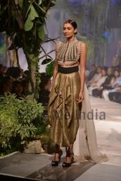 Anamika-Khanna-at-PCJ-Delhi-Couture-Week-2013-2