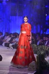Anamika-Khanna-at-PCJ-Delhi-Couture-Week-2013-32