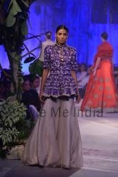Anamika-Khanna-at-PCJ-Delhi-Couture-Week-2013-33