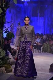 Anamika-Khanna-at-PCJ-Delhi-Couture-Week-2013-34