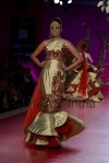 Ritu-Beri-at-Delhi-Couture-week-2013-24