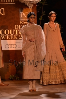 Sabyasachi-at-PCJ-Delhi-Couture-Week-2013-11