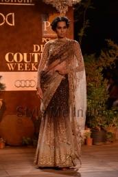 Sabyasachi-at-PCJ-Delhi-Couture-Week-2013-17