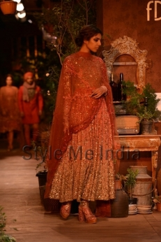 Sabyasachi-at-PCJ-Delhi-Couture-Week-2013-19