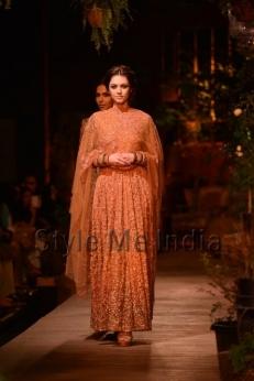 Sabyasachi-at-PCJ-Delhi-Couture-Week-2013-21
