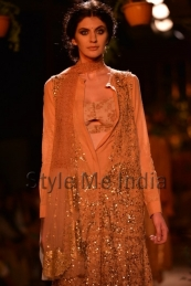 Sabyasachi-at-PCJ-Delhi-Couture-Week-2013-22
