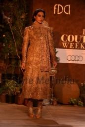 Sabyasachi-at-PCJ-Delhi-Couture-Week-2013-23