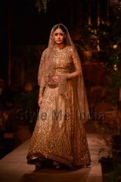 Sabyasachi-at-PCJ-Delhi-Couture-Week-2013-28