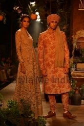 Sabyasachi-at-PCJ-Delhi-Couture-Week-2013-3