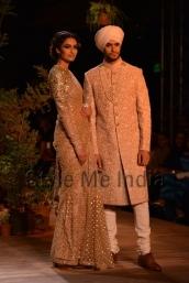 Sabyasachi-at-PCJ-Delhi-Couture-Week-2013-30