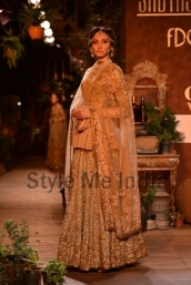 Sabyasachi-at-PCJ-Delhi-Couture-Week-2013-31