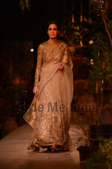 Sabyasachi-at-PCJ-Delhi-Couture-Week-2013-32