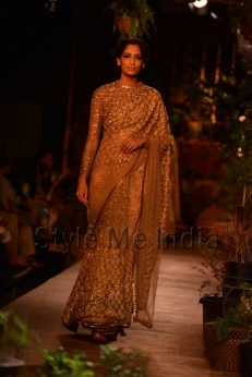 Sabyasachi-at-PCJ-Delhi-Couture-Week-2013-33