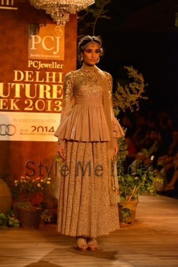 Sabyasachi-at-PCJ-Delhi-Couture-Week-2013-5