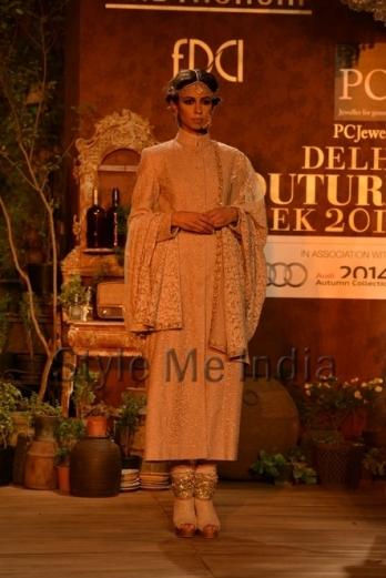 Sabyasachi-at-PCJ-Delhi-Couture-Week-2013-6