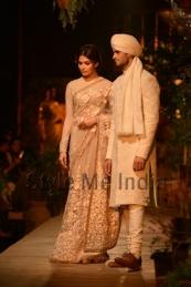 Sabyasachi-at-PCJ-Delhi-Couture-Week-2013-7
