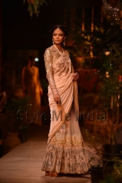 Sabyasachi-at-PCJ-Delhi-Couture-Week-2013-8